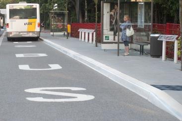 Bordures d'arrêts d'autobus